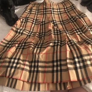 Authentic vintage  Burberry knee length skirt